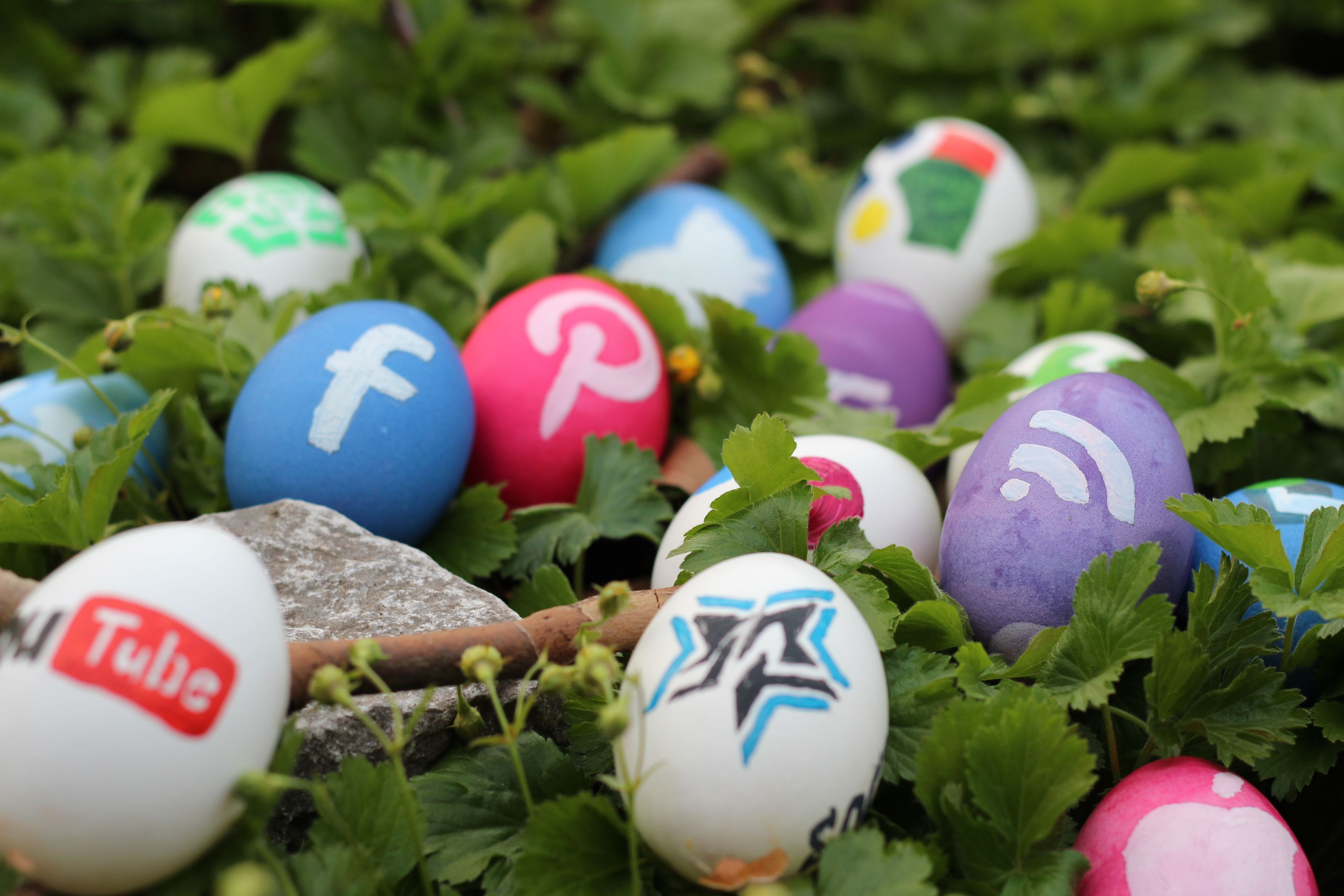 social media - 4 Egg-cellent Easter Marketing Campaigns To Learn From