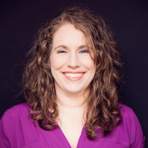 Lauren Teague, Writer at Enlighten material Marketing Consulting and Social Media Approach